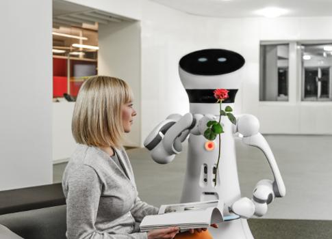 제어 공학 |  서비스 로봇의 부상;  산업용 로봇과 비교